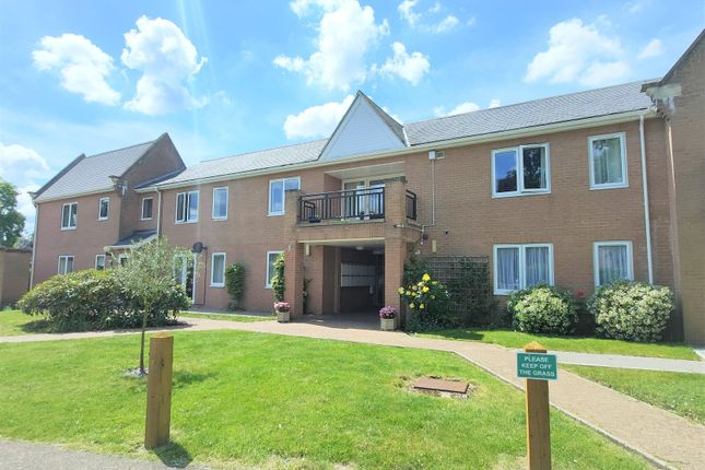 Thumbnail Flat to rent in East Barton Road, Great Barton, Bury St. Edmunds