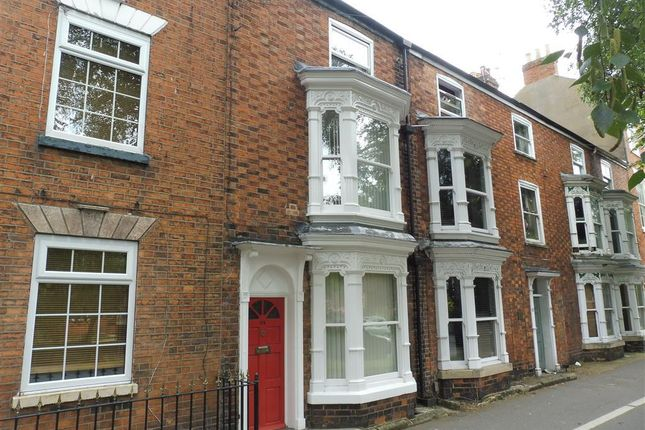 Thumbnail Property to rent in North Parade, Grantham
