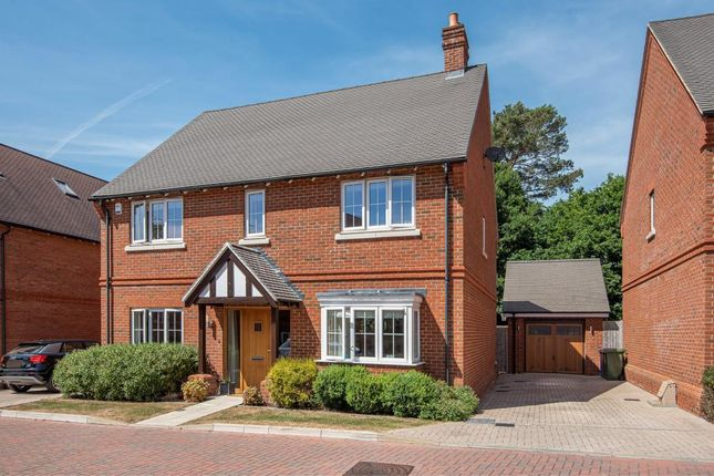Thumbnail Detached house for sale in Roughgrove Copse, Binfield