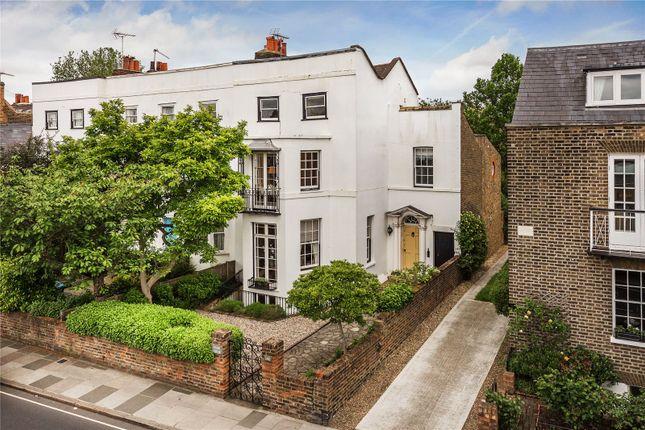 Thumbnail Terraced house for sale in Kew Road, Kew