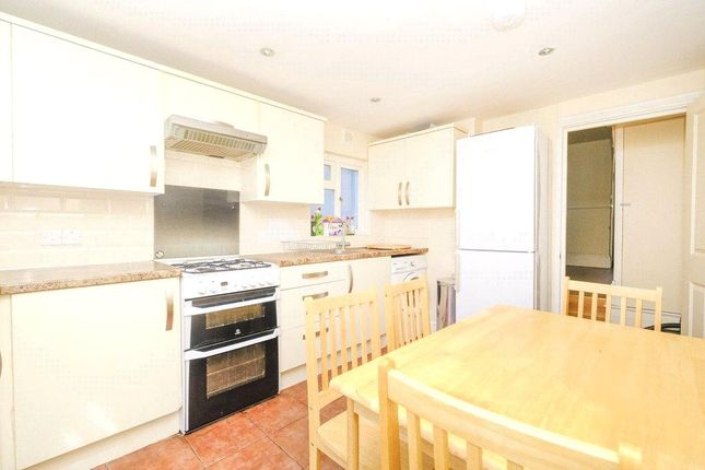 Thumbnail Flat to rent in Lydford Road, Maida Vale