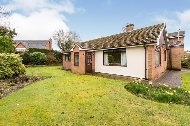 Thumbnail Bungalow for sale in Chiltern Close, Sandiway, Northwich, Cheshire