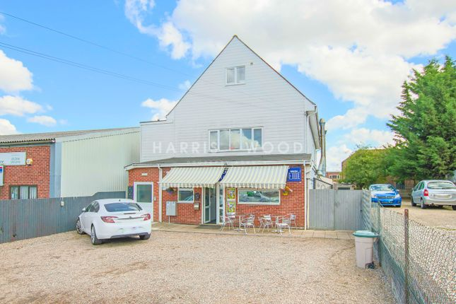Flat to rent in Riverside Avenue West, Lawford, Manningtree