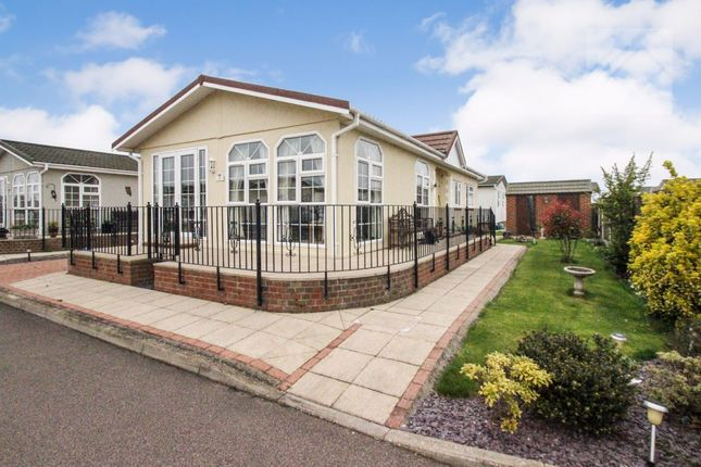 Bungalow for sale in Kings Park, Creek Road, Canvey Island