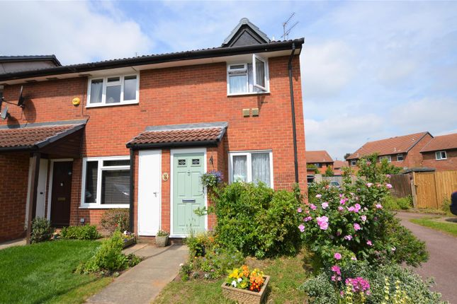 Property for sale in Harvesters Close, Isleworth