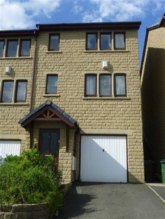 Thumbnail Town house to rent in Cliffe Street, Dewsbury