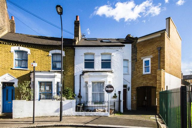 Thumbnail Property for sale in Purcell Crescent, London