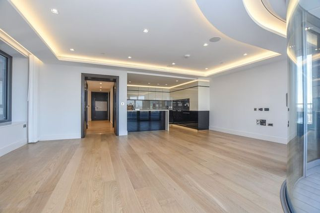 Thumbnail Flat to rent in The Corniche, 24 Albert Embankment, London