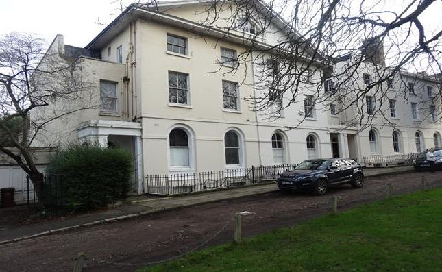 Thumbnail Flat to rent in Camberwell Grove, Camberwell, London
