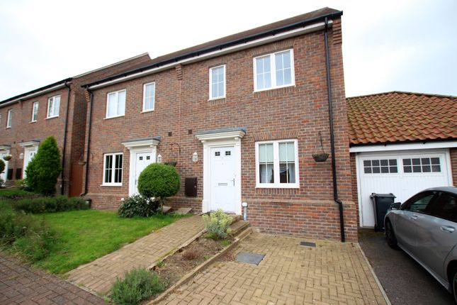 Thumbnail Semi-detached house to rent in Samuel Courtauld Avenue, Braintree