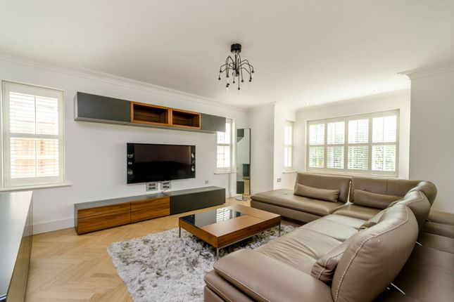Thumbnail Property for sale in Drury Close, Roehampton