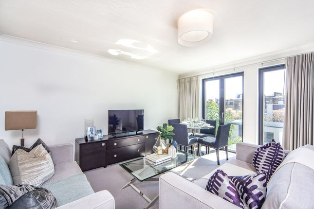 2 bed flat to rent in 161, Fulham Road SW3