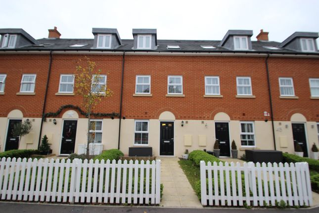 Thumbnail Terraced house for sale in Kingston Road, Benfleet