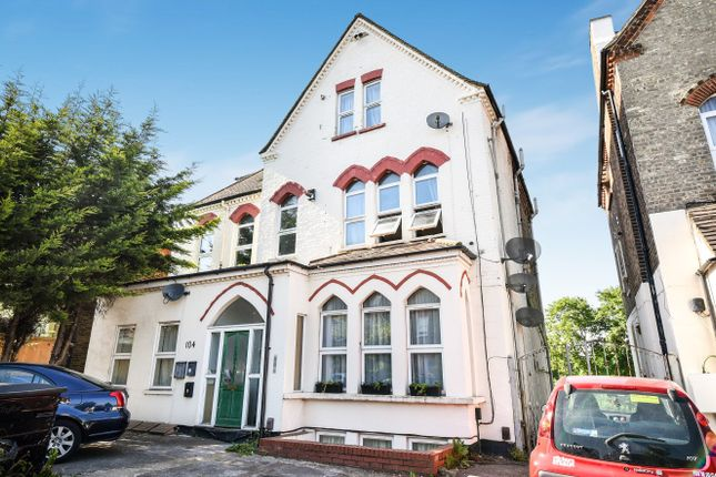 Thumbnail Flat for sale in Southwood Road, London