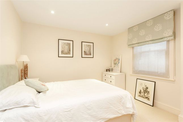 Bedroom of Belsize Square, London NW3