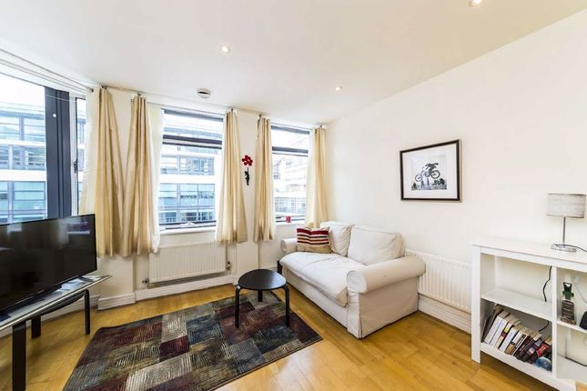 Thumbnail Flat to rent in Red Lion Square, London