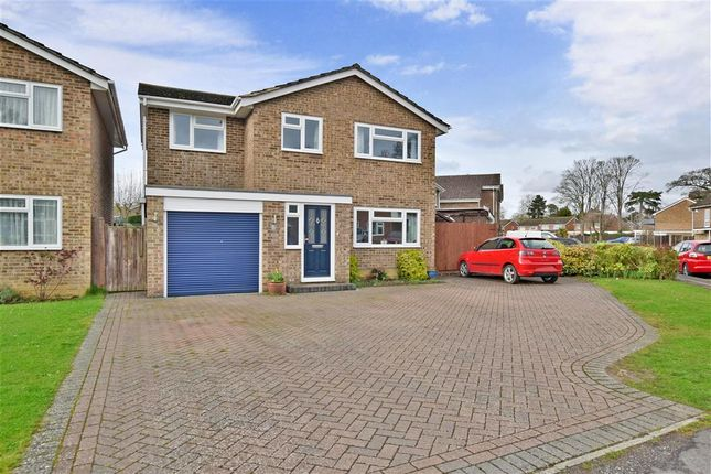 Thumbnail Detached house for sale in Willow Brean, Horley, Surrey