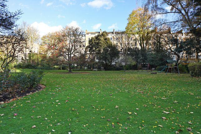 Photos of Queen's Gate Gardens, London SW7