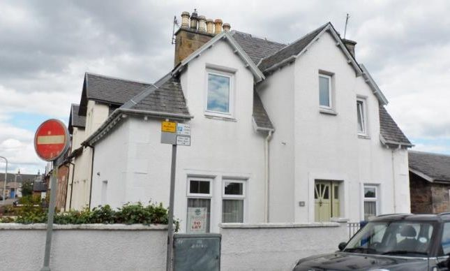 End terrace house to rent in Crown Street, Inverness