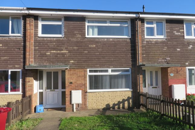 Thumbnail Terraced house to rent in Meadow Court, Hibaldstow