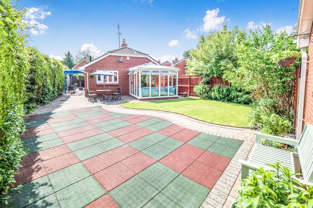 Thumbnail Detached bungalow for sale in Lawrence Gardens, Kenilworth