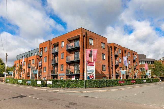 1 bed property for sale in Garland Road, East Grinstead RH19