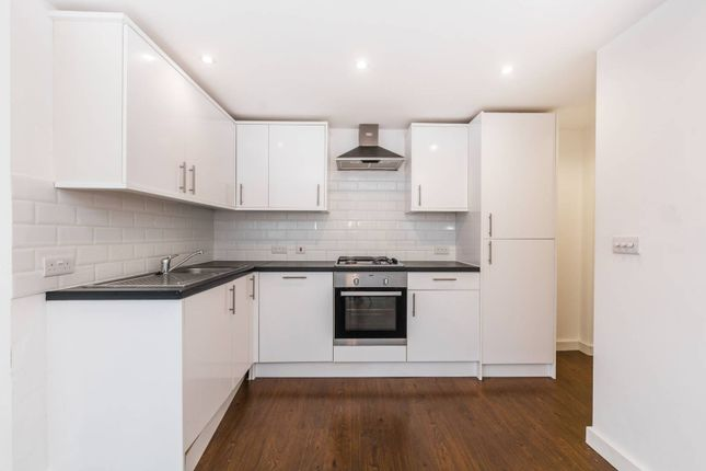 Thumbnail Flat to rent in Pemberton Road, Harringay
