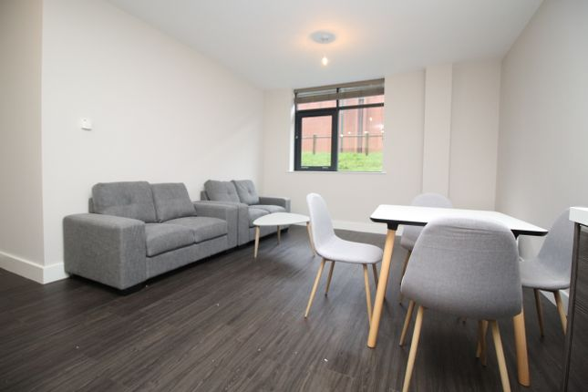 Thumbnail Studio to rent in Dawsons Square, Pudsey