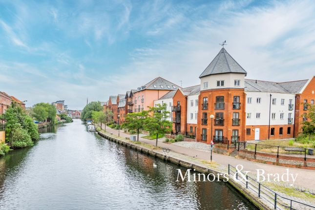 3 bed flat for sale in Wherry Road, Norwich NR1