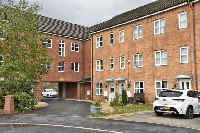 4 bed town house for sale in Thorncroft Avenue, Astley, Tyldesley, Manchester M29