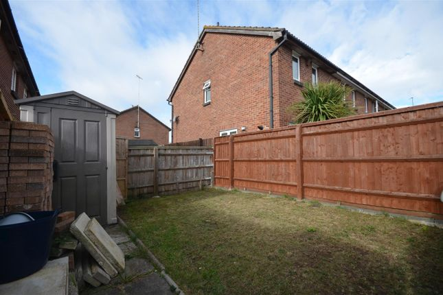Garden A of Field Close, Aylesbury HP20