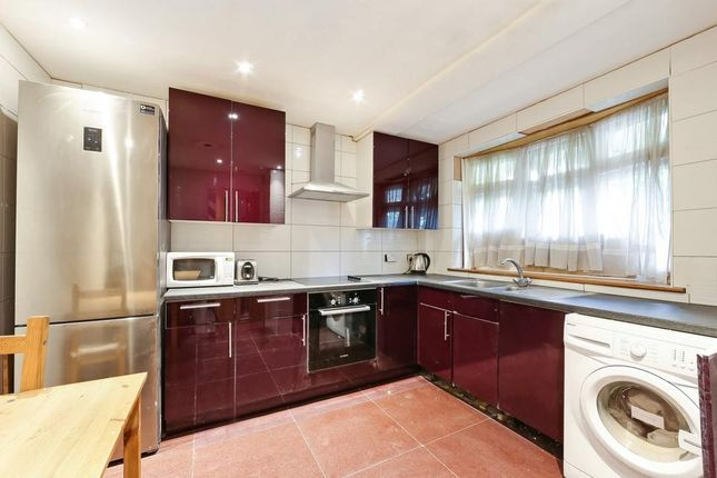 Thumbnail Flat to rent in Malmesbury Road, London