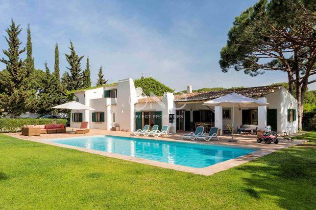 Villa for sale in Ferrarias, Almancil, Loulé Algarve