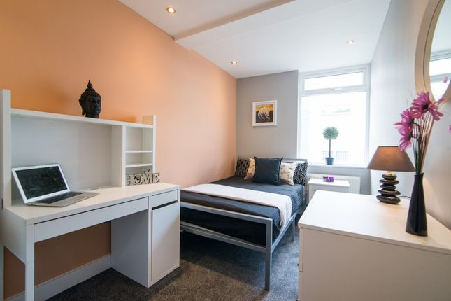 Thumbnail Terraced house to rent in Scarsdale Street, Salford