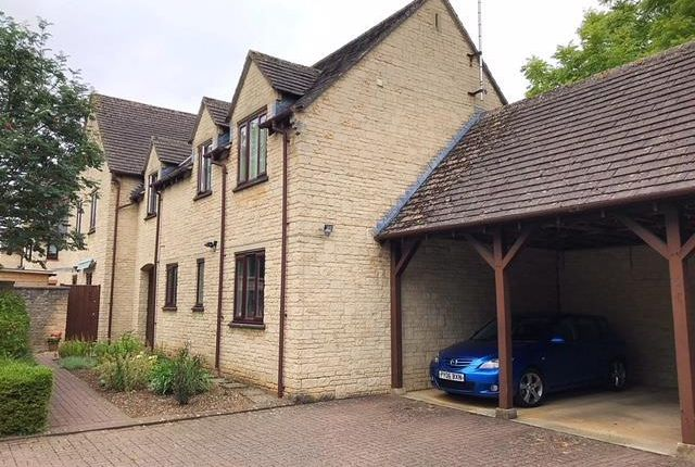 Thumbnail Flat to rent in Langdale Gate, Witney