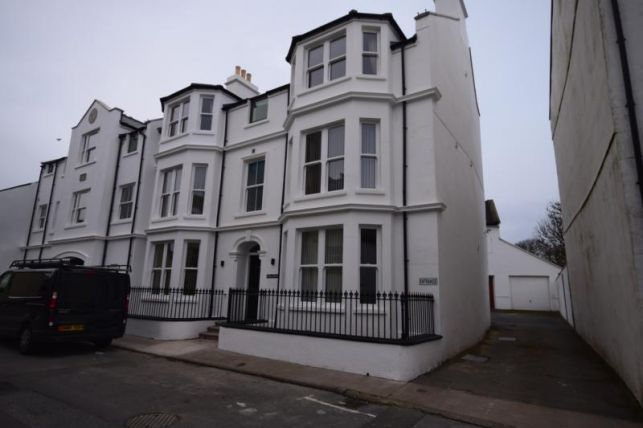 Thumbnail Flat to rent in Malew Street, Castletown