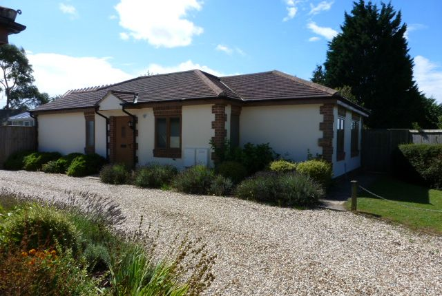 Thumbnail Detached bungalow to rent in Main Road, Long Hanborough