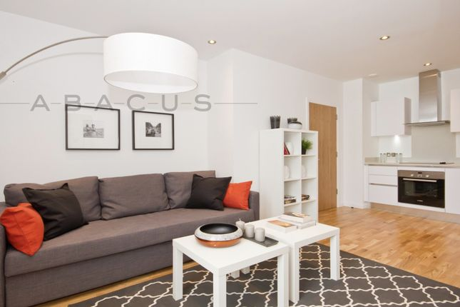 Thumbnail Flat for sale in Gateway House, Regents Park Road, Finchley Central