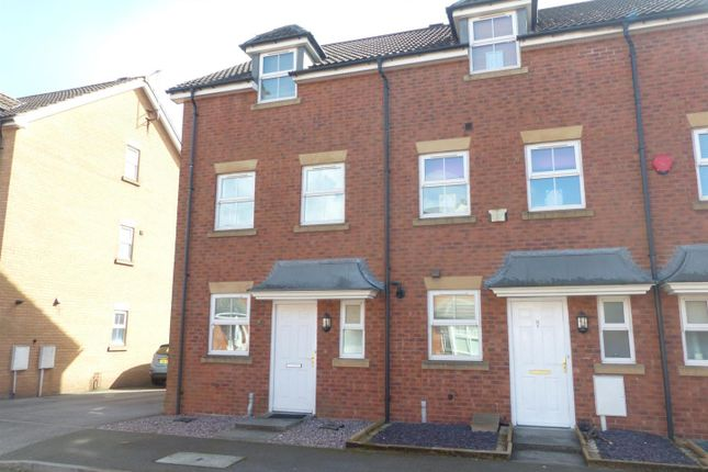 Thumbnail Town house to rent in Blackmires Way, Sutton-In-Ashfield
