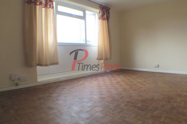 Thumbnail Flat for sale in Graham Road, Mitcham