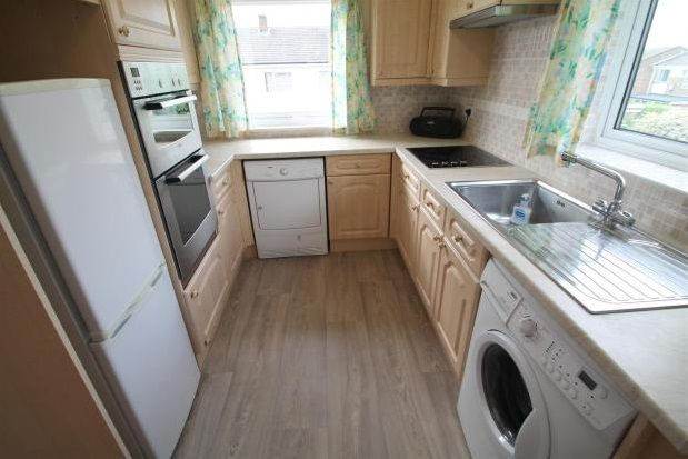 Thumbnail Maisonette to rent in Sparrow Drive, Orpington
