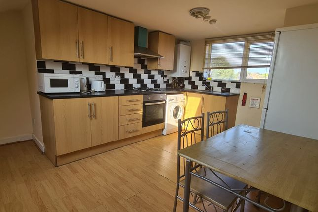 Thumbnail Flat to rent in 3 Bedroom Flat - Markhouse Road, Walthamstow