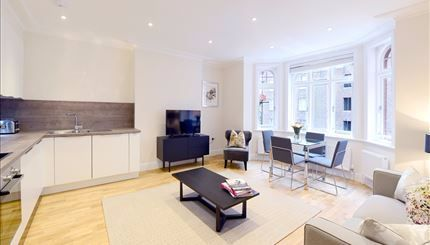 Flat to rent in Hamlet Gardens, Hammersmith