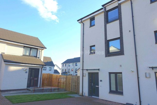 Thumbnail Town house to rent in Crofton Square, Ferry Village, Renfrew