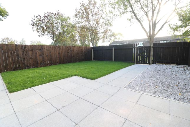 Thumbnail Property for sale in Cheriton Close, Hull