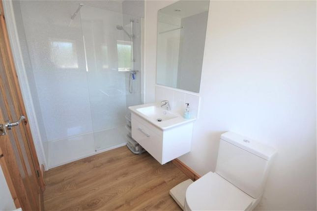 En Suite of Meadow Close, Budleigh Salterton, Devon EX9