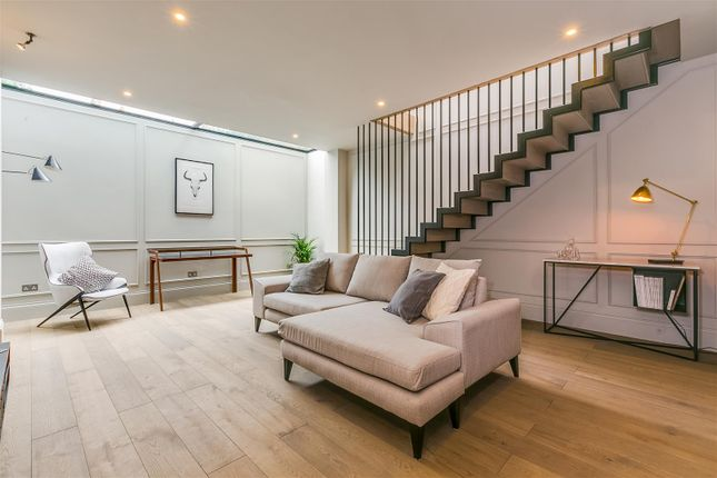 Thumbnail Terraced house for sale in Wavendon Avenue, London