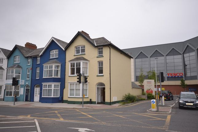Thumbnail Flat to rent in Park Avenue, Aberystwyth
