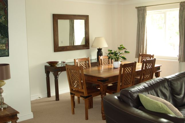 Dining of Lakes View, Royal Wootton Bassett SN4