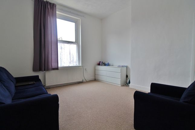 Thumbnail Flat to rent in North Street, Havant